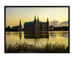 Frederiksborg Slot indfanget i den gyldne time.