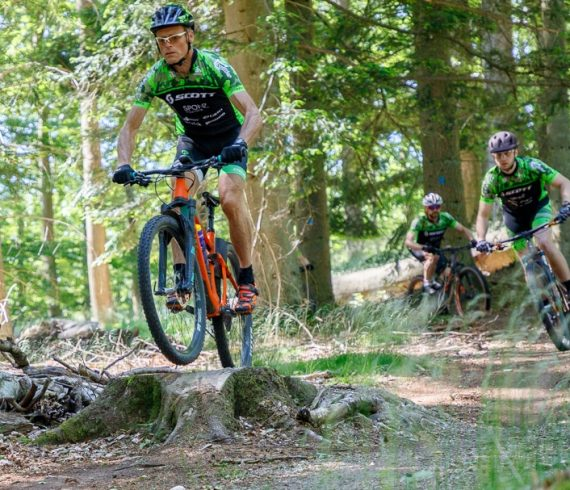 SponZ MTB Klub - Turbo hold