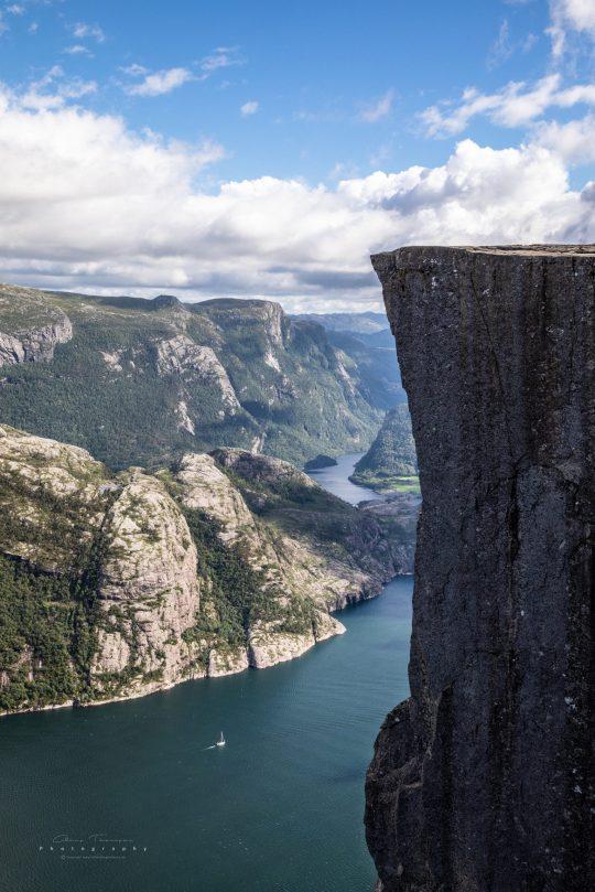 Fotografi af Preikestolen - Norges mest besøgte turistattraktion.