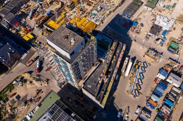 Dronefotografi af byggepladsen i Carlsbergbyen hvor bl.a. Uniplan Danmark A/S fremstiller undergulve.