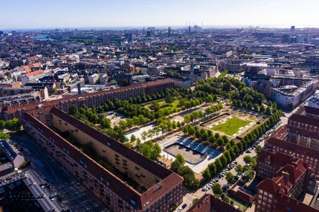 Dronefotografi af Enghave Parken i København.